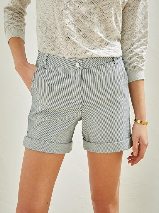 La Collection Printemps-Short chino femme rayé bleu écru