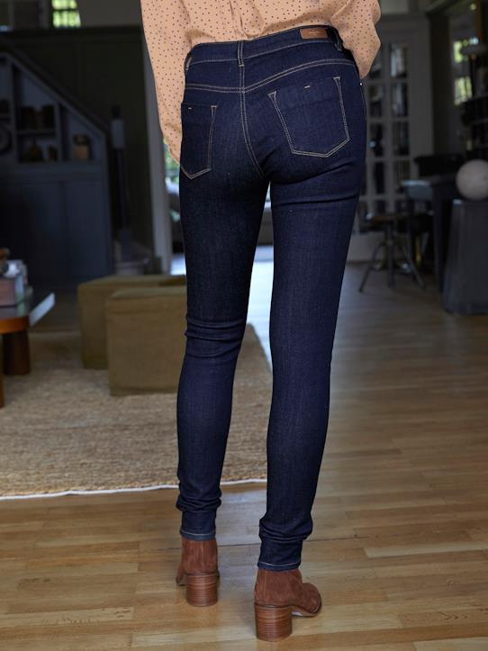 Slim femme en denim ultra-confort : Le Super Stretch Denim brut